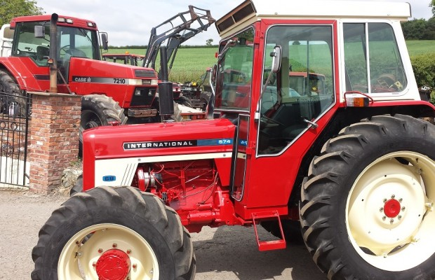 Ih 574 Tractor : International harvester wd q cab p reg