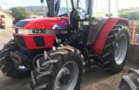 CASE IH 4230 Pro 4X4 with quickie 320 power loader