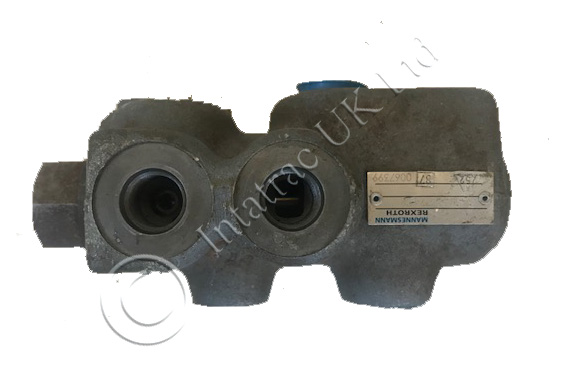 Used Genuine Trailer Brake Valve – 1533774C2